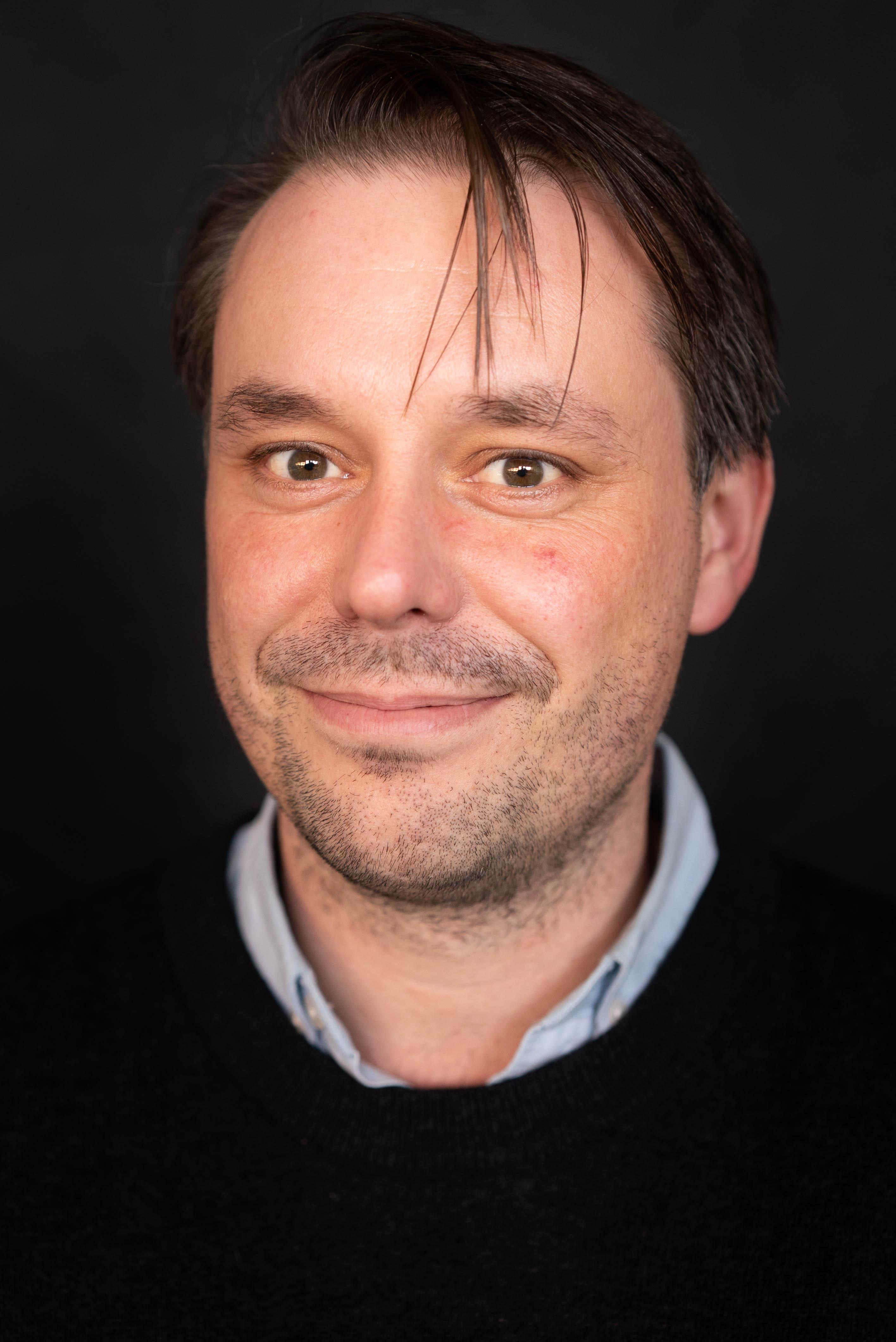 Kasper Haulund (KH)
