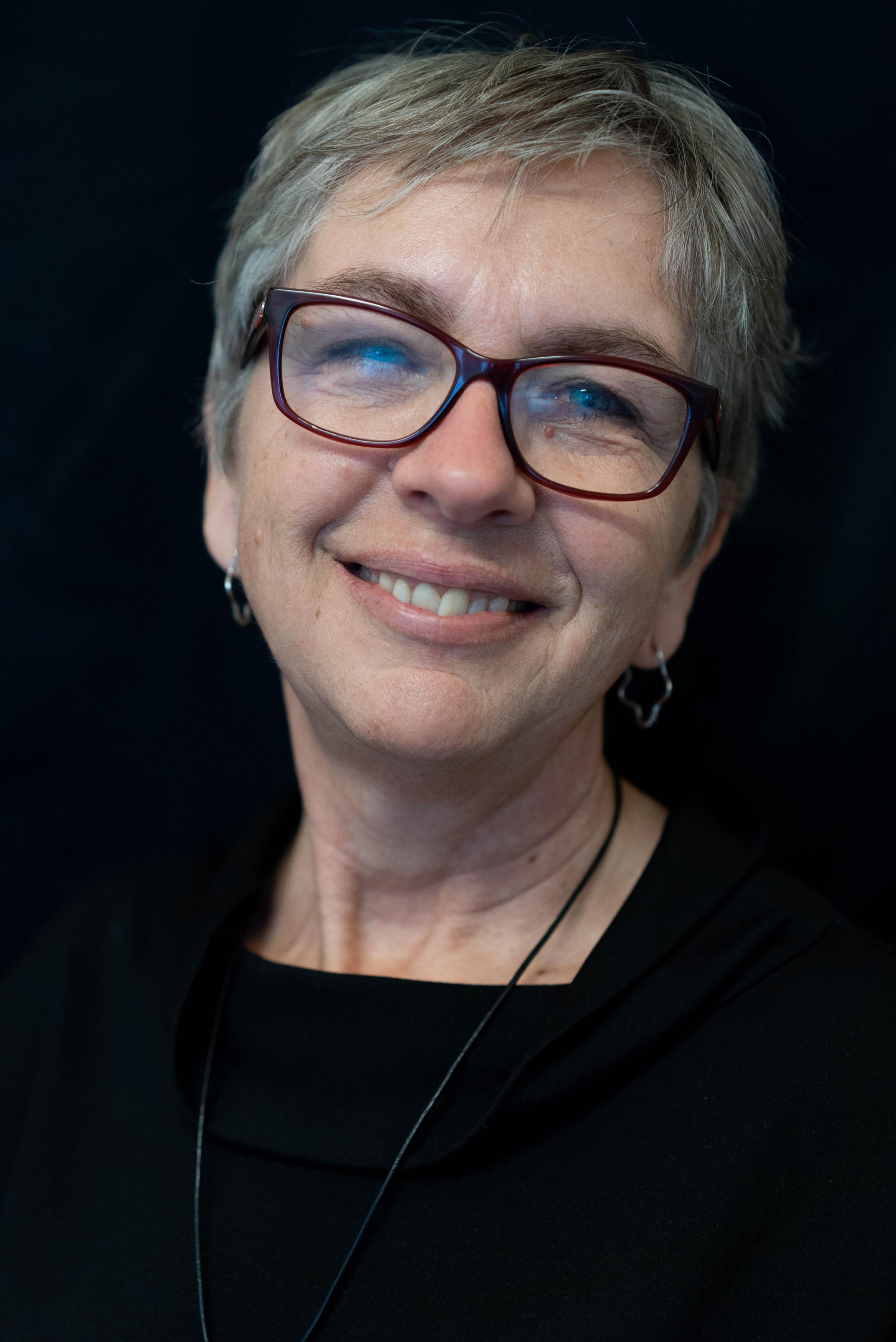 HANNE Larsen (HL)